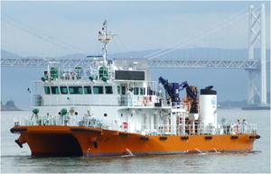 写真:海面清掃兼油回収船「美讃(びさん) 」